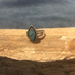 Jewelry - Native American Sterling and Turquoise Chip Ring